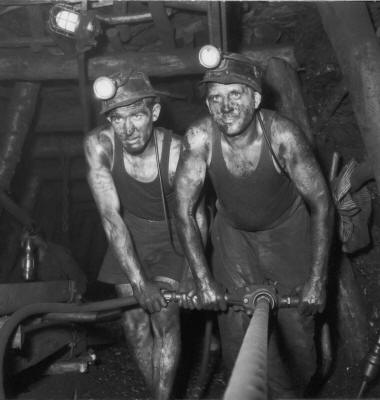Des mineurs du Nord-Pas de Calais, à l'époque où la France exploitait encore le charbon | http://www.nordmag.com/