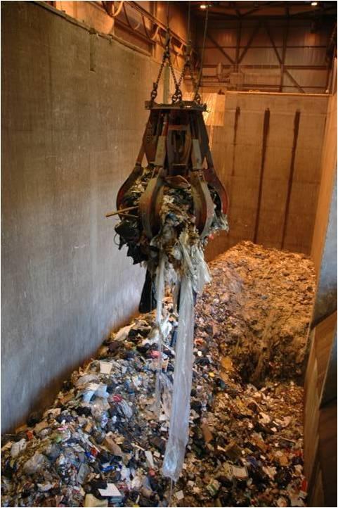 Et voilà nos déchets avant qu'on les mette dans le four... Adieu petit déchet ! | DTU environment